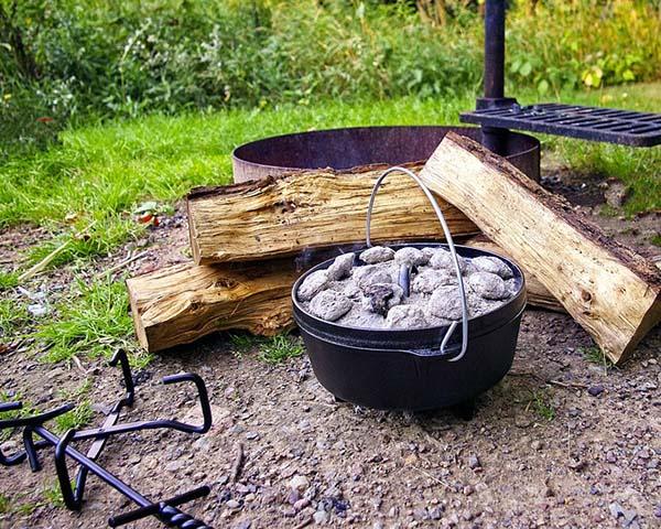 石炭はダッチオーブンに